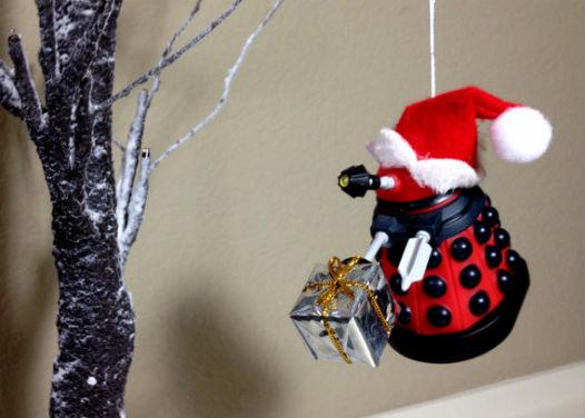 Dalek de noël, décoration pour le sapin