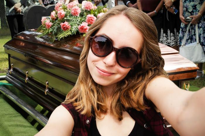 funeral_selfie-e1384472421652