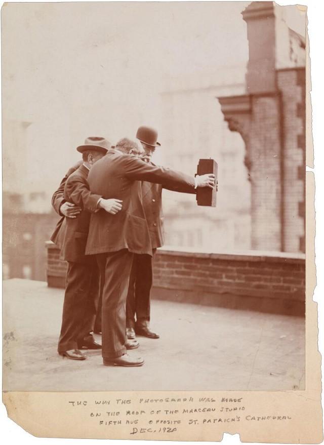 premier-selfie-Histoire-640x879