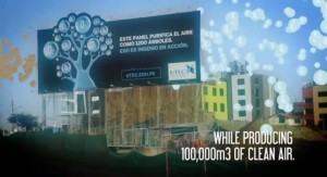 Panneau publicitaire purifiant l'air à LIMA